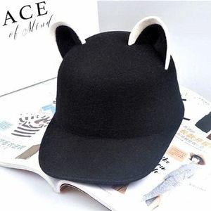 🆕️ NWOT Black Wool Kawaii Cat Ear Cap